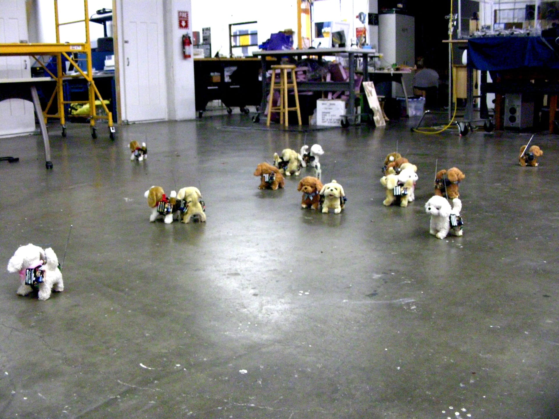 Have robot dog, will travel – dogs with electronics test _180_1920px